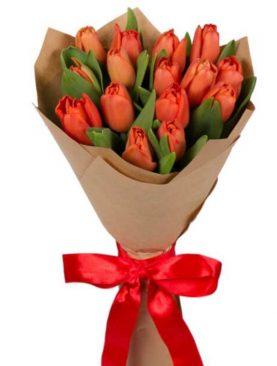 Букет из 15 тюльпанов Коралловый