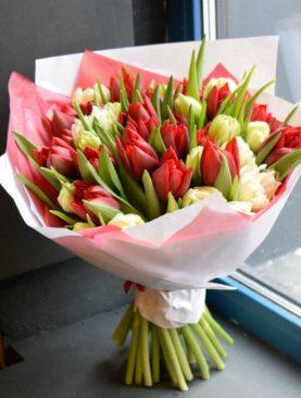 Букет из 45 тюльпанов микс