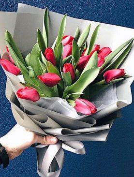 Букет из 15 тюльпанов Красный