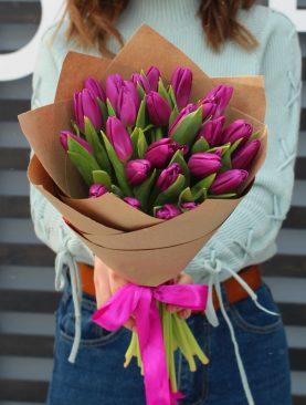 Букет из 25 тюльпанов Фиолетовый