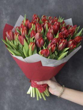 Букет из 51 тюльпана Красный