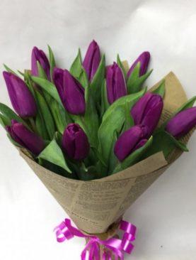Букет 11 тюльпанов крафт